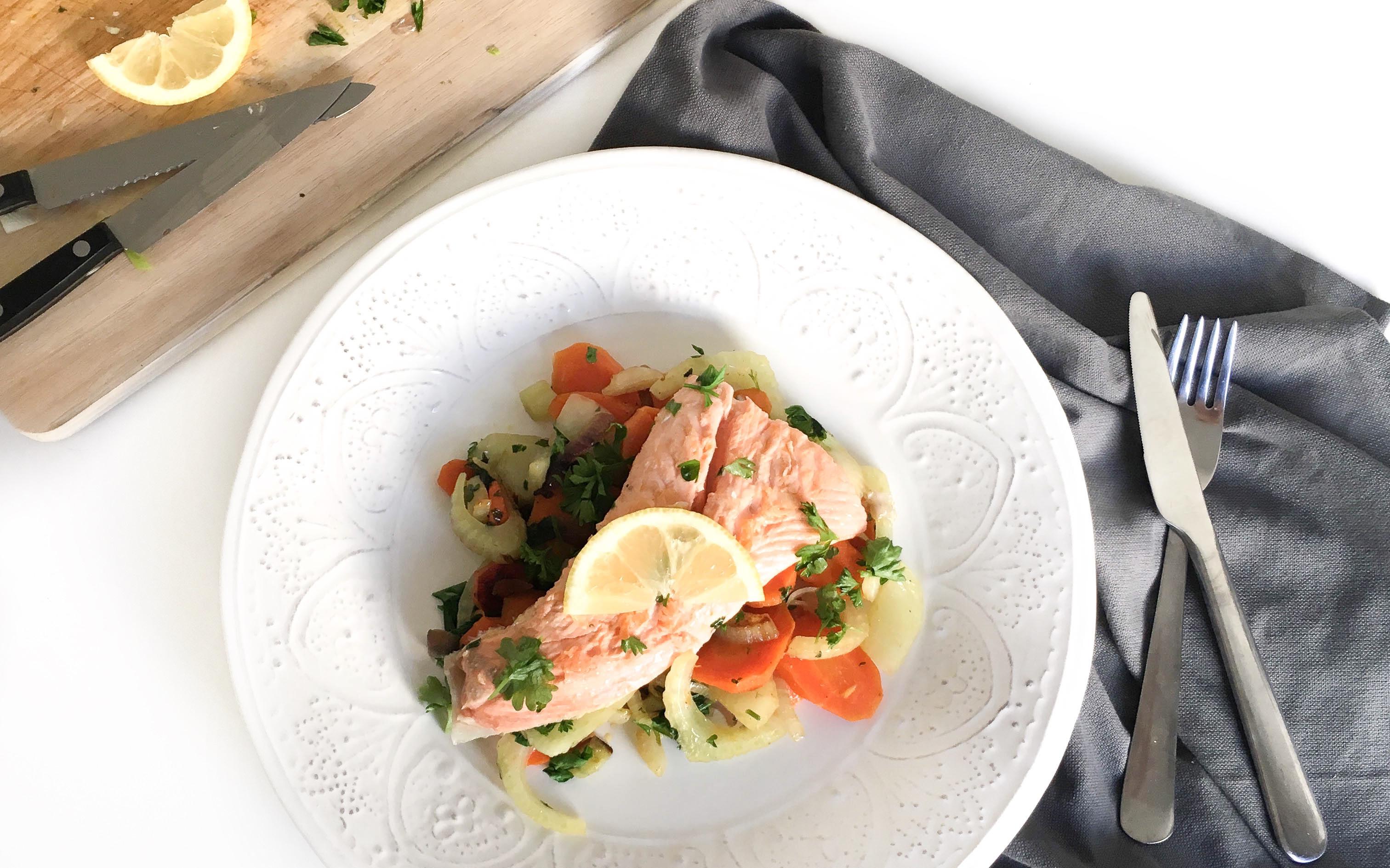 Lachs mit Fenchel-Karotten Gemüse