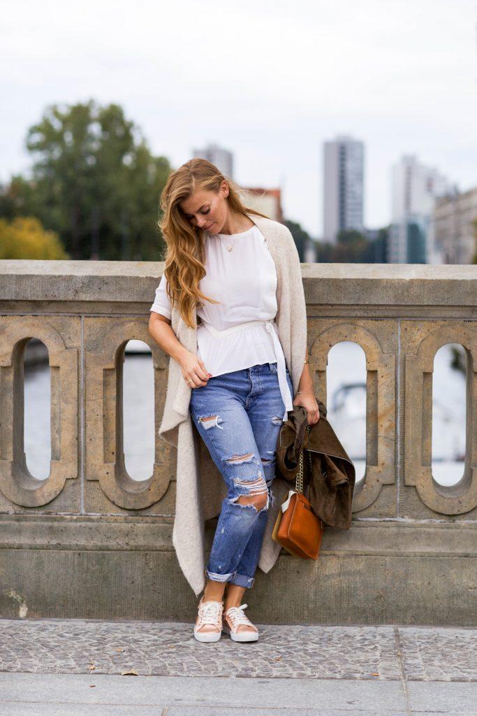 Jeans unt Wollweste