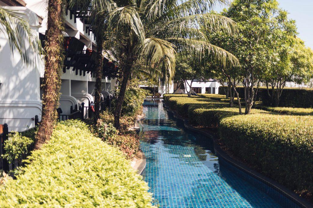 Der Lagunen Pool direkt vor den Zimmern