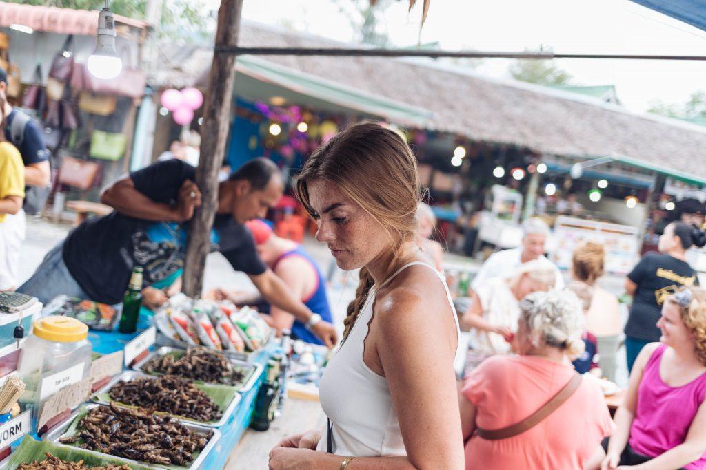 Insekten essen in Khao Lak